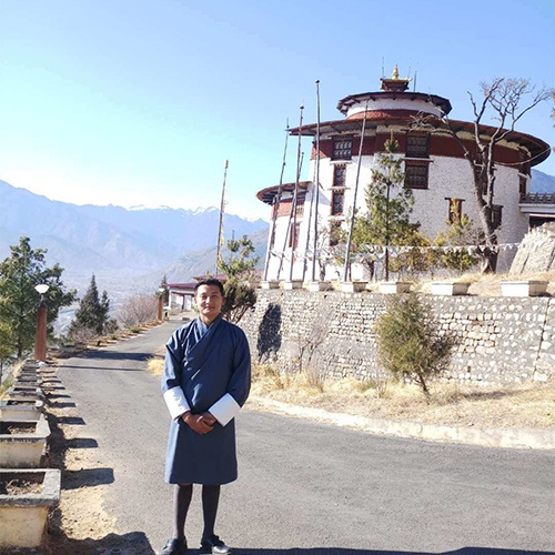 Tenzin Yoethzer